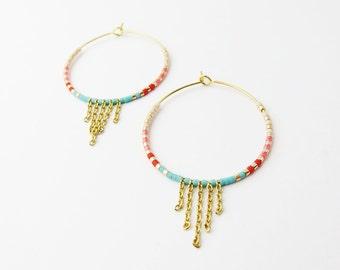 Small gold hoop earrings  - Dainty hoop earrings - Gold and multicolor hoop earrings - beaded hoop earrings