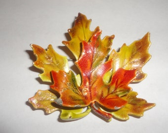 Colorful Maple Leaf Enamel Brooch, Autumn Brooch, Seasonal Jewelry**