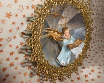Vintage Jewelbrite Diorama Angel Ornament #3