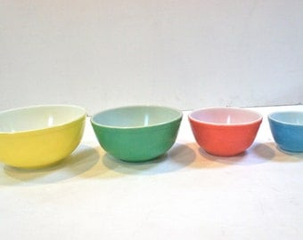 PYREX 1940's Non-Numbered Primary Colour Nesting Mixing Bowls, Set of 4, RARE Early Collectible Solid Primary Color Bowls