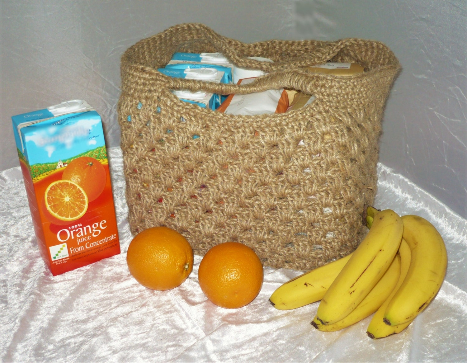 Strong shopping bag: crocheted tote 100% jute. Grocery market