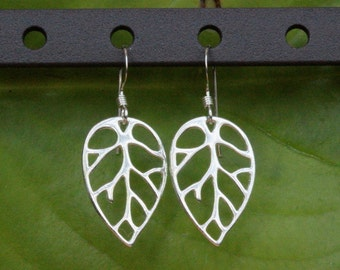 Sterling Silver Leaf Earrings,Leaf Earrings, Silver Leaf Earings, Life Like Leaf Earrings,leaves earrings, silver leaf dangles,leaf jewelry