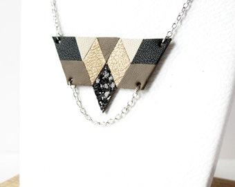 Breastplate necklace short leather, taupe and gold RIHA, Lily.M