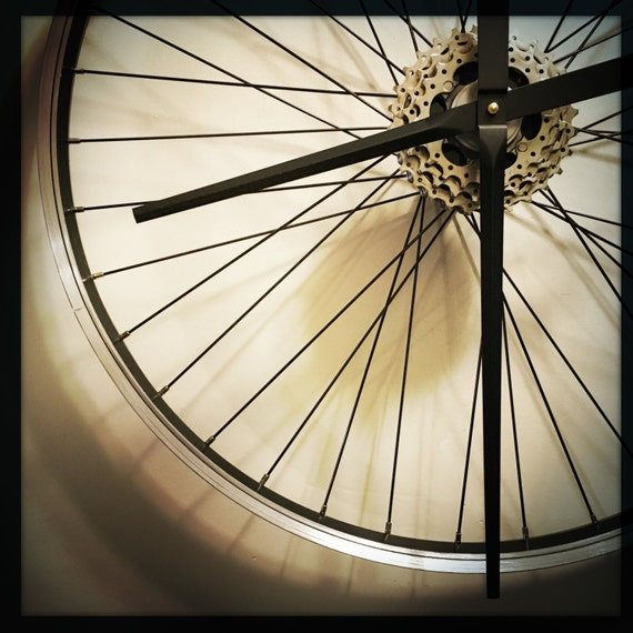 Bicycle wheel clock large wall clock steam by dreamgreatdreams for Bicycle wheel wall art