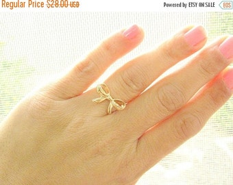 VALENTINES DAY - bow ring, gold ring, Bow gold ring, thin delicate ring, best friends ring, forget me knot ring, size 7.5