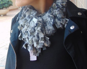 Grey Tulle neck (exclusive)