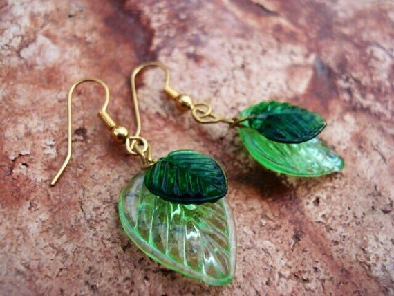 Green Leaf Glass Earrings, Dangle Earrings, Drop Earrings, Green Earrings, Glass Earrings, Women's Earrings, Glass Jewelry, Woodland Jewelry