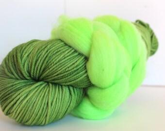 Thrummed MITTEN Kit - Green/Bright Green- Hand dyed Merino yarn, roving and pattern