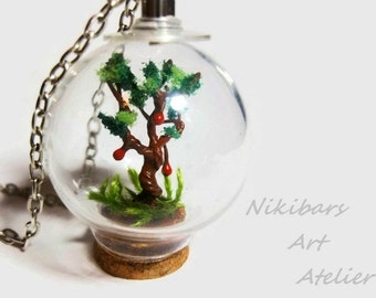 Vial Diorama Necklace, Botanical Necklace, Glass Terrarium Necklace, Moss Pendant, Garden Pendant, Miniature Garden Pendant Necklace