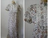 Sale Vintage Maxi Dress / 1970's Dress / Vintage Dress / Victorian Collar Dress / Prairie Dress / Floral Calico Maxi S