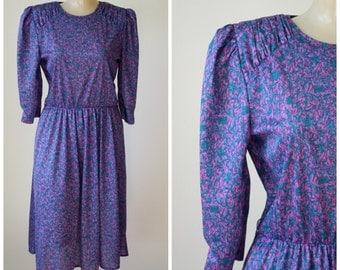 1980's Floral Office Dress / Vintage Floral Frock /  1980s Tabby Dress / Vtg California Dress / Modest Secretaries Dress  S/M Clearance