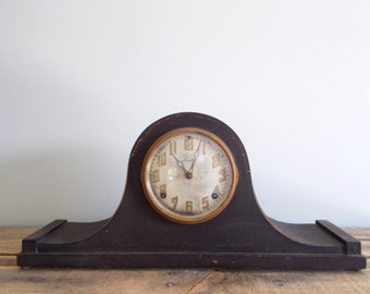 Ingraham Humpback Mantel Clock w/ Pendulum - NOT WORKING