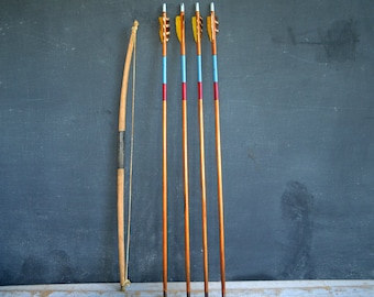 Vintage Bow and Arrows Set~ Wooden Bow and Arrows ~ Feather Top Arrows ~ Wood Bow ~