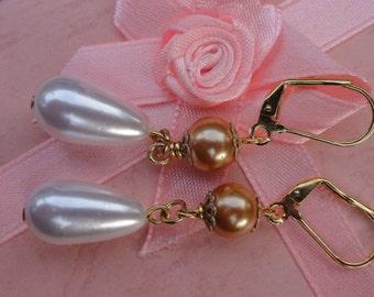 Vintage Pearl Earrings, Weddng Earrings, Two Tone Pearl Earrings, Bridal Pearls, Teardrop Earrings, Pearls for Brides