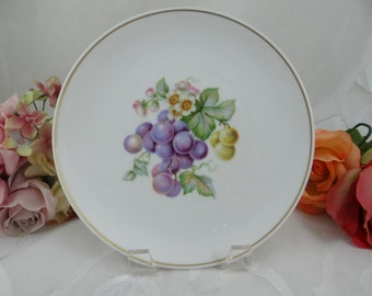 """1960s Hutschenreuther Fruit Salad Plate """"Grapes"""" - Lovely"""