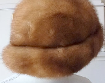 fur mink hat- brown hat- chic women style- warm winter accessories- vintage hat- French vintage- Paris - made in Paris