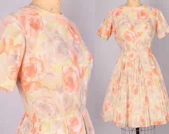 1960s Dress // Vintage Dress pastel floral print // 26 inch waist  (small)