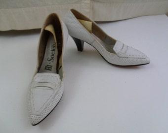Vintage 60s Deadstock White & Wood Pumps Heels Shoes Sz 5