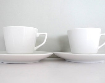 Simple and stylish white vintage Cup and Saucers - Vintage Scandinavian cups Set of four