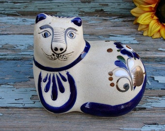 Vintage Cat Figurine Hand Painted & Glazed Mexico