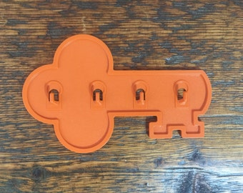 Vintage Tupperware Key Shaped Wall Mount  Key Holder Hooks 1453