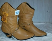 Vintage Boots - Tan Leather boots Cowboy Glam Size 6.5 Buffalo Gap