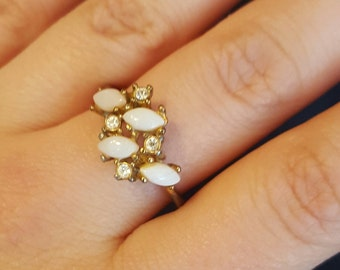 Uncas Costume Jewelry Signed Ring