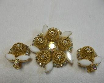 25% OFF!!! Vintage Demi Parue Brooch Earrings Milk Glass Aurora Borealis  Fillagree, T