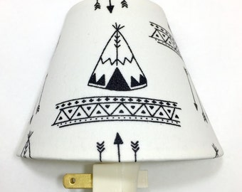 Teepee and Arrows Plug In Night Light / Nursery Decor / Baby Shower Gift / Home Decor / Lighting / Kid's Room / Bedroom / Woodland / Forest