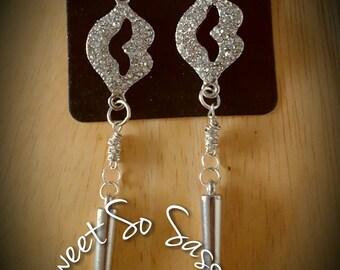 Poparazzi Style Lip Dangle Earrings