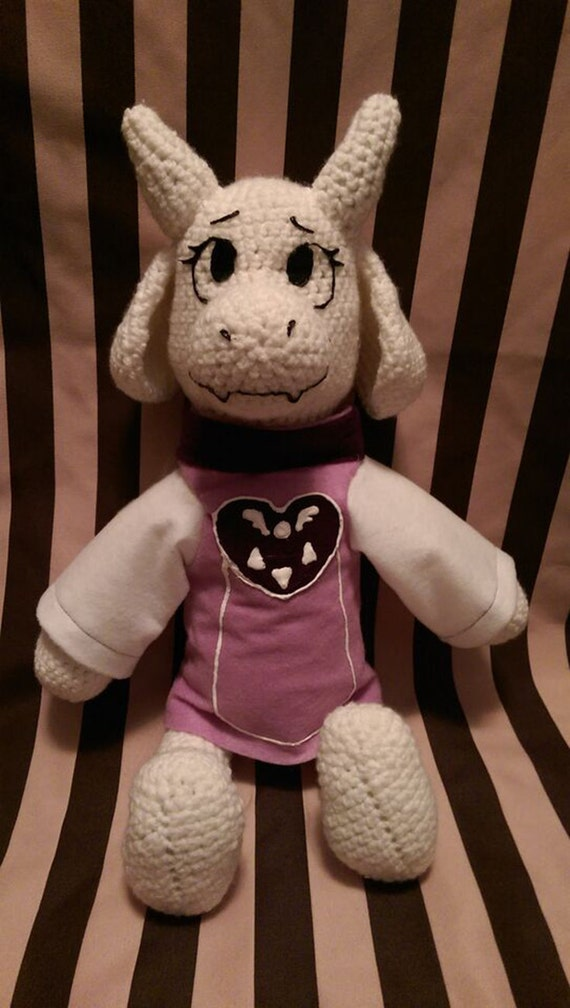 Amigurumi Undertale : Reserved for Jake S. : Undertale Toriel Goat Mom Crochet