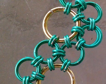Green and gold lazy river bracelet