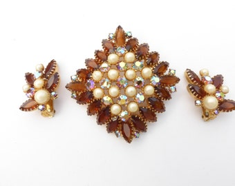 Open Back UnFoiled Topaz, Aurora Borealis Prong Set Rhinestones and Faux Pearls Dimensional Brooch Set