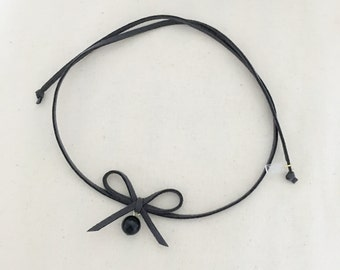 Grey Bow with Black Pearl Choker