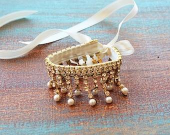 Bridal Gold Bracelet, Wedding Pearl Cuff , Bridal Cuff Bracelet, Bridal Accessories, Weddings Jewelry