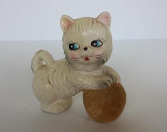 Kitty with Yarn Ball - Japan