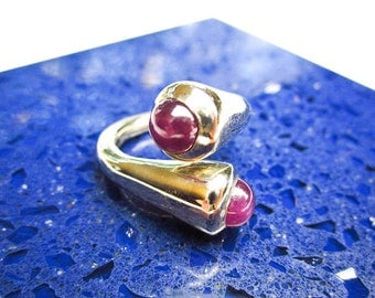 Vintage 14K & 1 Ct. Genuine Cabochon Rubies, Modernist Custom Made 1983 Tampico SF, Purple Red Color, USA.