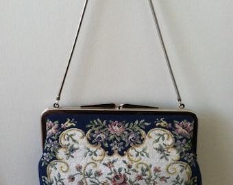 Lovely Vintage Tapestry Purse.