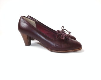 Size 7.5  Vintage 1970s Burgundy Oxblood Loafers Maroon Leather Pumps Joyce High Heel Loafer Size Seven Spectator Shoes Fall Preppy Boho