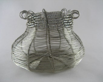 baskets, wire baskets, silver, wire, urn, woven, baskets, weaving, beads, contemporary, home decor, art