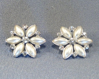 Two Lovely Vintage Buttons // Pearl & Rhinestone // Jewelry // Earrings // Supply // Embellishment