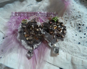 Cotton earrings and lace