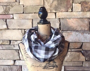 Women's Infinity Scarf // Infinity Scarf // Checkered Infinity Scarf // Black and White Infinity Scarf // Gift For Her //