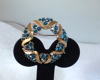 Trifari Brooch with Teal and Clear Stones