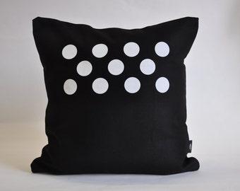 O. Cushion Cover. Black & White.