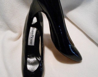 Never Worn Evan Picone Black Patent Leather Pump Shoes, Size 7N, c. 1990
