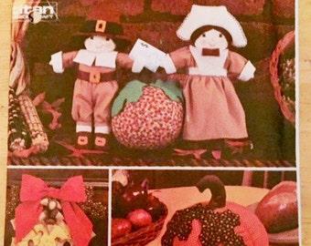 Thanksgiving Stuffed pilgrims and pumpkin pattern