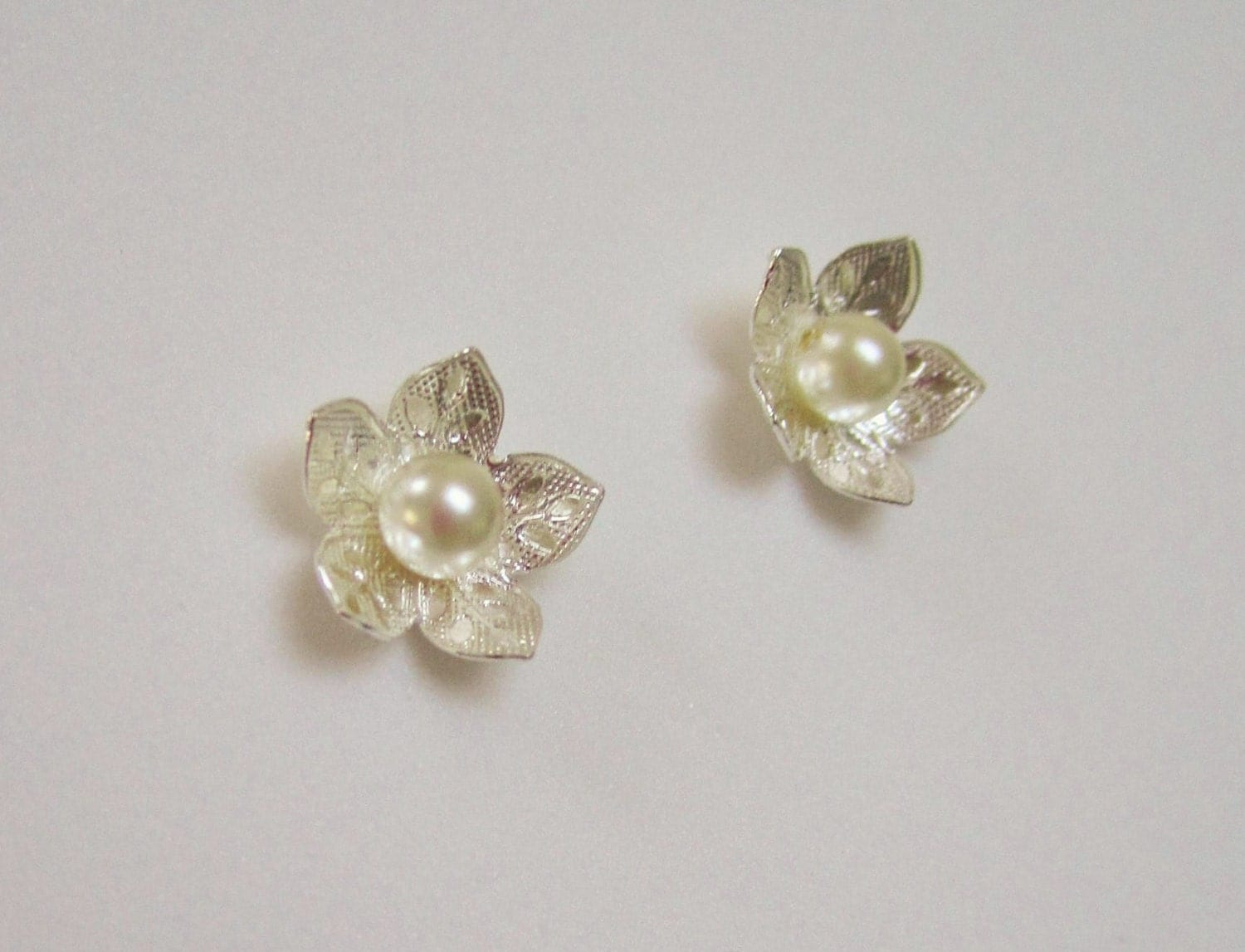 magnetic pearl earrings magnetic earrings studs flower pearl clip on by hickoryhillgems 3928