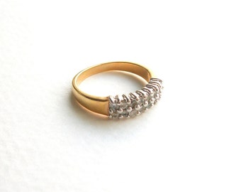 Vintage Simple Band Rhinestone Ring Gold Tone Ring Size 7 Band UnSigned Vintage Antique Jewelry