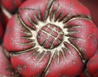 2 pcs: Rustic Czech Slim Flowers 22mm - Red with Bronze Inlay (2516)